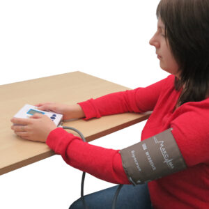 Использование прибора для одновременного измерения АД и регистрации ЭКГ